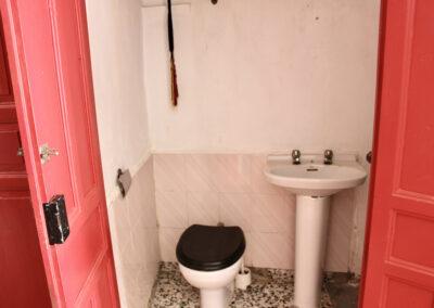 R360 - Toilet