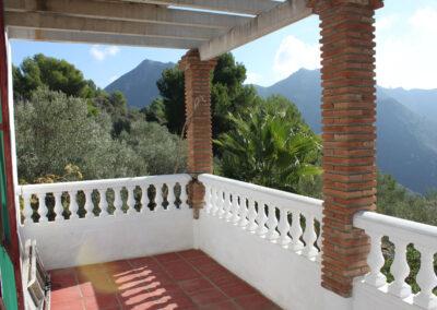 G362 - Upstairs terrace.
