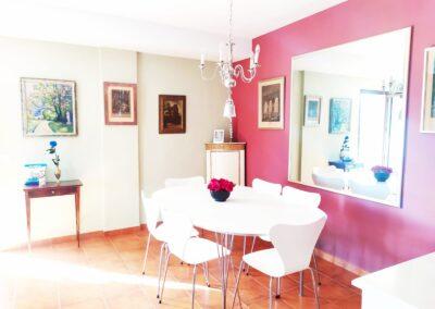 R364 - Dining area