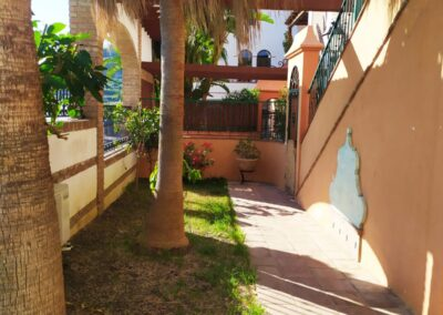 R364 - Private garden and terrace.