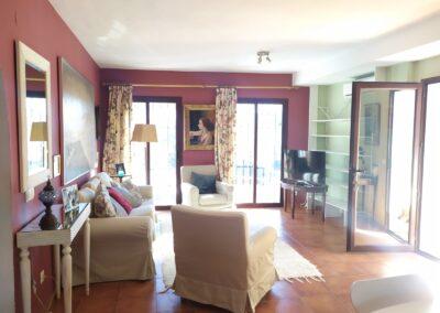 R364 - Living room.