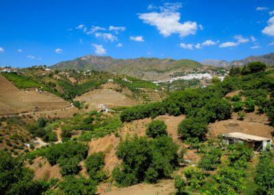 G02 - Udsigt til bjerge og Frigiliana