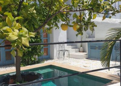 R12 - Pool og patio