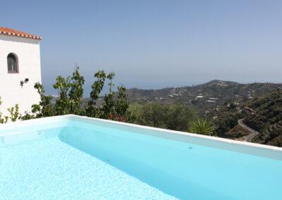 G19 - Pool med udsigt