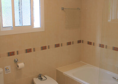 G55 - Badeværelse med karbad.